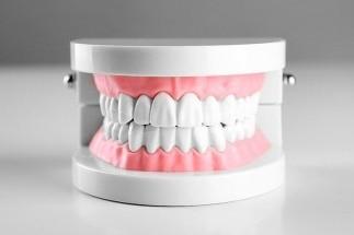 Протезирование<br /> зубов